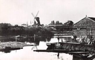 Ansichtkaart Zo was Dordrecht Houtzaagmolen De Kleine Noordsche Boer aan de Weeskinderendijk omstreeks 1895 Molen (1967) HC26760