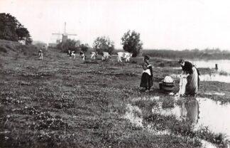 Ansichtkaart Zo was Dordrecht Noordendijk, richting stad omstreeks 1905 (1968) Molen HC26763