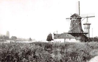 Ansichtkaart Zo was Dordrecht Gezicht op de stad vanaf Zwijndrecht Molen Welgelegen Watertoren omstreeks 1910 HC26792