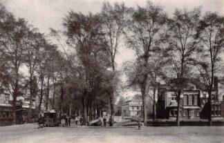 Ansichtkaart Zo was Dordrecht Stationsweg met Villa Simpang omstreeks 1910 met paardentram Tram (1962)HC26795