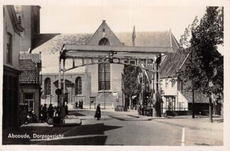 Ansichtkaart Abcoude Dorpsgezicht met brug en kerk 1942 HC26866