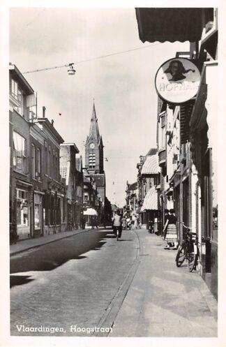 Ansichtkaart Vlaardingen Hoogstraat Sigarenwinkel met uithangbord Hofnar 1953 HC26918