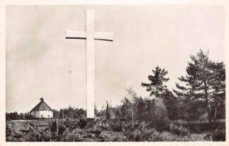 Ansichtkaart Loenen (GD) Veluwe Centrale Begraafplaats der Oorlogsgraven-Stichting Doorzicht bij het Kruis 1950 Militair HC27291