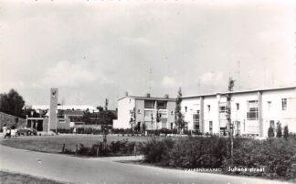 Ansichtkaart Valkenswaard Julianastraat met kerk 1970 HC27927