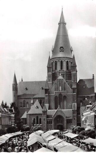 Ansichtkaart Steenbergen Markt Marktdag 1964 HC27963