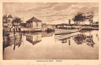 Ansichtkaart Brielle Aankomst der Boot Scheepvaart Binnenvaart schepen HC28336