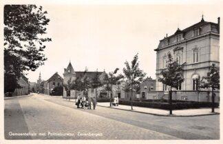Ansichtkaart Zevenbergen Gemeentehuis met Politiebureau 1947 Moerdijk HC28367