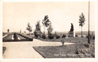 Ansichtkaart Oude Tonge Massagraf met Monument 1958 Begraafplaats HC28681