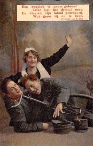Ansichtkaart Militair Mobilisatie WO1 1914-1918 Een ongeluk is gauw gebeurd. Humor HC28689