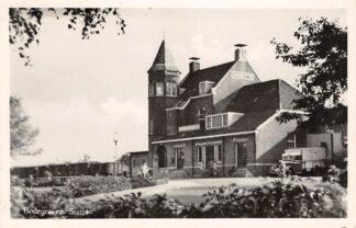 Ansichtkaart Bodegraven Station met trein en vrachtauto 1955 Spoorwegen HC28760