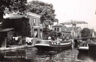 Ansichtkaart Bodegraven De Brug Newo Fotokaart Binnenvaart schepen Scheepvaart Jaren 30 HC28806