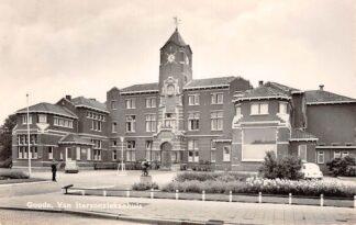 Ansichtkaart Auto Gouda Van Iterson ziekenhuis 1967 HC28838