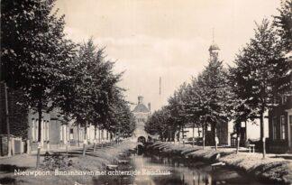 Ansichtkaart Nieuwpoort Binnenhaven met achterzijde Raadhuis Jaren 30 Type fotokaart Schoonhoven Alblasserwaard HC28901