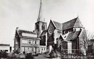 Ansichtkaart Bodegraven R.K. Kerk met Pastorie Type fotokaart 1969 HC28973