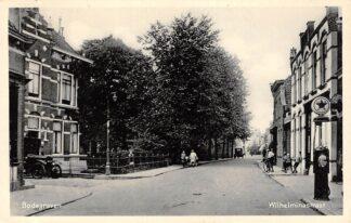 Ansichtkaart Bodegraven Wilhelminastraat met CALTEX Benzinepomp 1935 HC28984