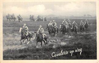 Ansichtkaart Militair Mobilisatie WO2 1939 Cavalerie op weg Soldaten te paard HC29708