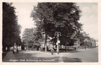 Ansichtkaart Hillegom Hoek Stationsweg en Hoofdstraat IJsverkoper 1942 HC29749