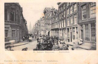 Ansichtkaart Amsterdam St. Antonie Breestraat met volk HC29929