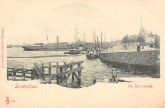 Ansichtkaart Amsterdam De Ruyterkade met zee en binnenvaart schepen Scheepvaart HC29943