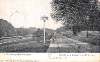 Ansichtkaart 's-Gravenhage - Scheveningen Gezicht a.h. Kanaal b.d. Witte Brug Bord met verbod op de tramrails te rijden 1905 HC30081